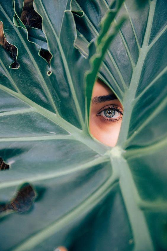 Mindfulness betekent warme belangstelling voor jezelf en de wereld om je heen. Dat kun je oefenen door met aandacht om je heen te kijken.
