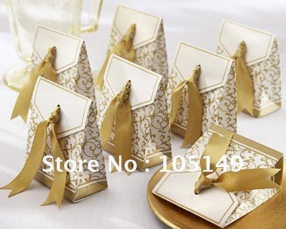 Wedding Gift Boxes Pinterest : golden pattern favor boxes Indian wedding Pinterest Wedding ...