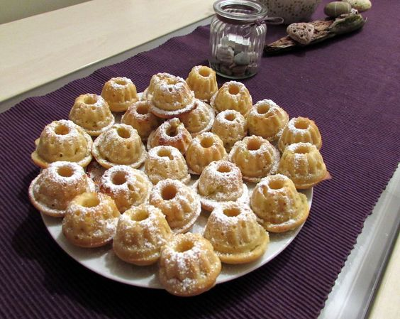 we love veggie: Rhabarber-Buttermilch Mini Gugl - klein ab oh ho !...