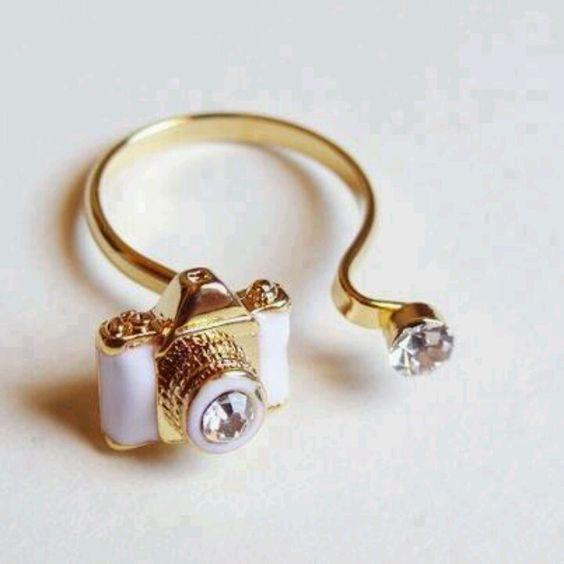 Super cute ring.