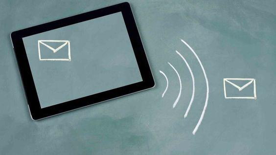 http://mashable.com/2013/11/08/email-responsive-design/
