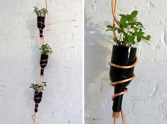 http://assets.inhabitat.com/wp-content/blogs.dir/1/files/2012/06/homemade-modern-diy-herb-garden-ben-uyeda-2.jpg