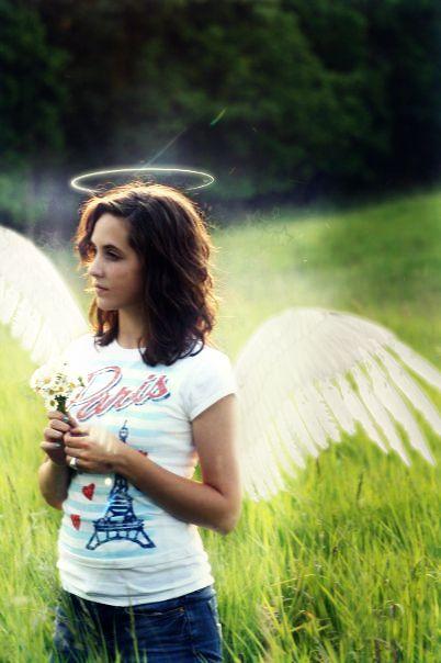 Paris and brunette angel = <3