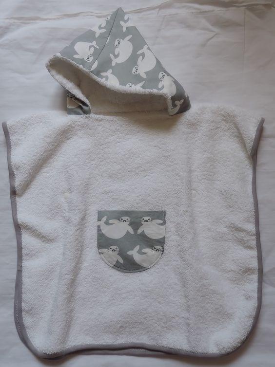 poncho sortie de bain personnalis sortie bain ou piscine mode b b par jacane craft. Black Bedroom Furniture Sets. Home Design Ideas