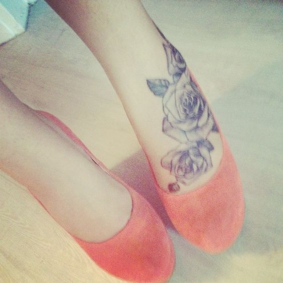 10 Foot Rose Tattoo Designs: Rose Tattoo On Foot I Like :) Especially With Those Heels