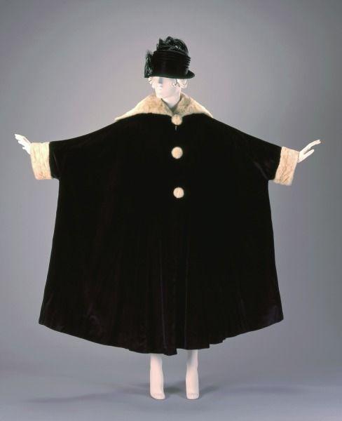 1920, America - Evening Coat by J.M. Gidding & Co. - Velvet, fur, and satin: