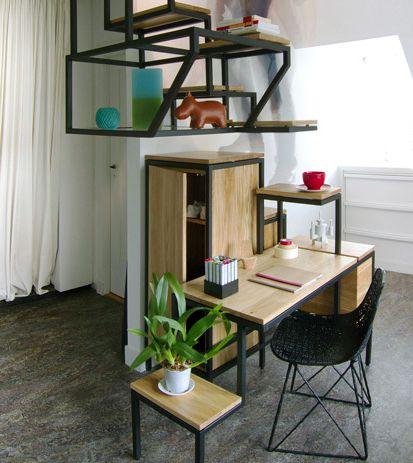 Desde un escritorio en conjunto con una escalera for Repisas para escaleras