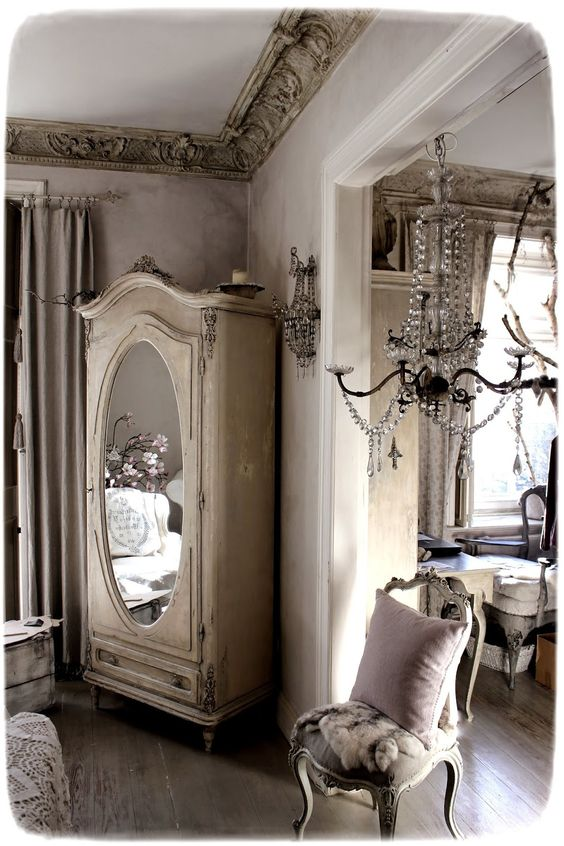 Vintage mirrors vintage love and french vintage on pinterest for French vintage bedroom ideas