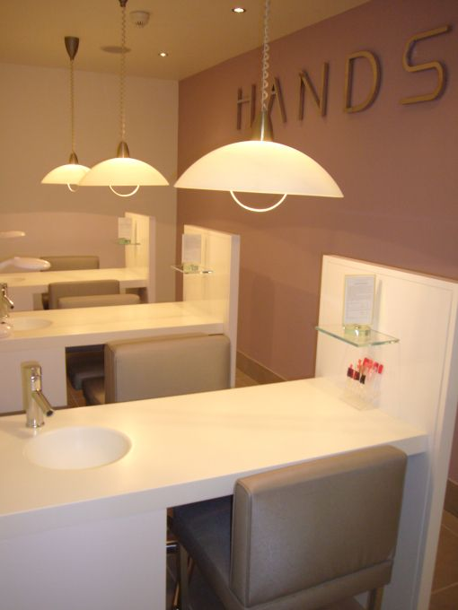 sinks nail bar and tables on pinterest. Black Bedroom Furniture Sets. Home Design Ideas