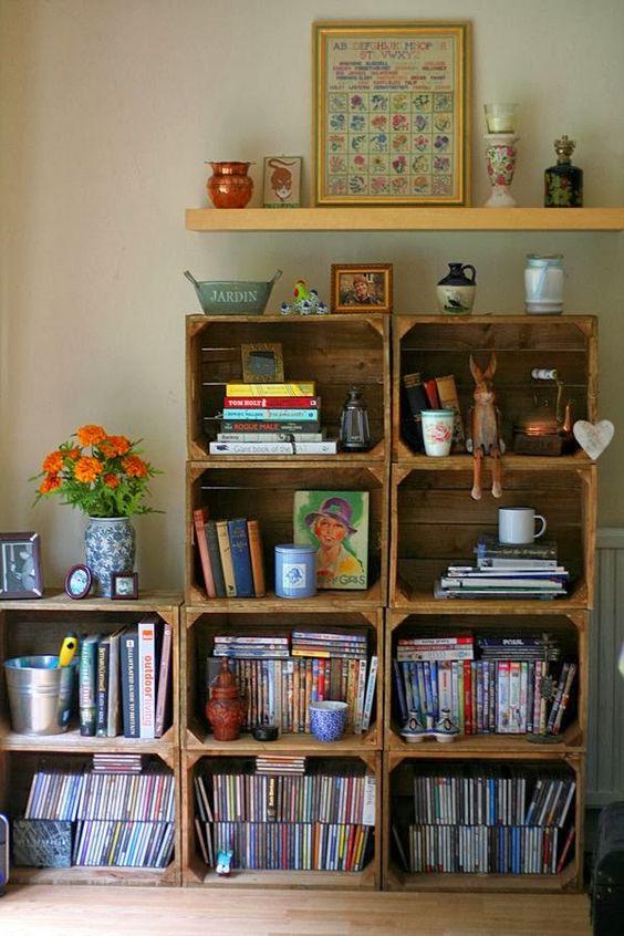 blog de decoração - Arquitrecos: Estantes feitas com caixotes de madeira em várias versões: