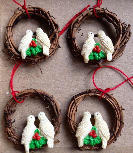 Kissing Doves on Wreath (4). $5.00, via Etsy.