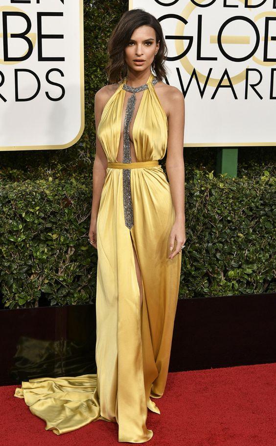 Emily Ratajkowski in Reem Acra - 2017 Golden Globes: