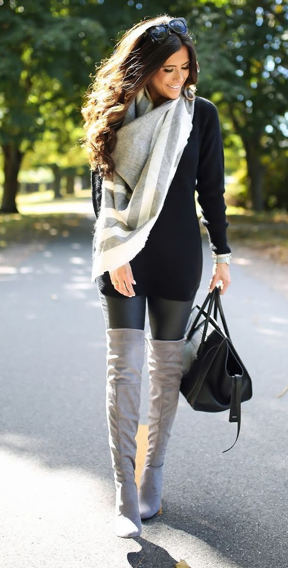 love this entire outfit. those leather leggings are an essential!: