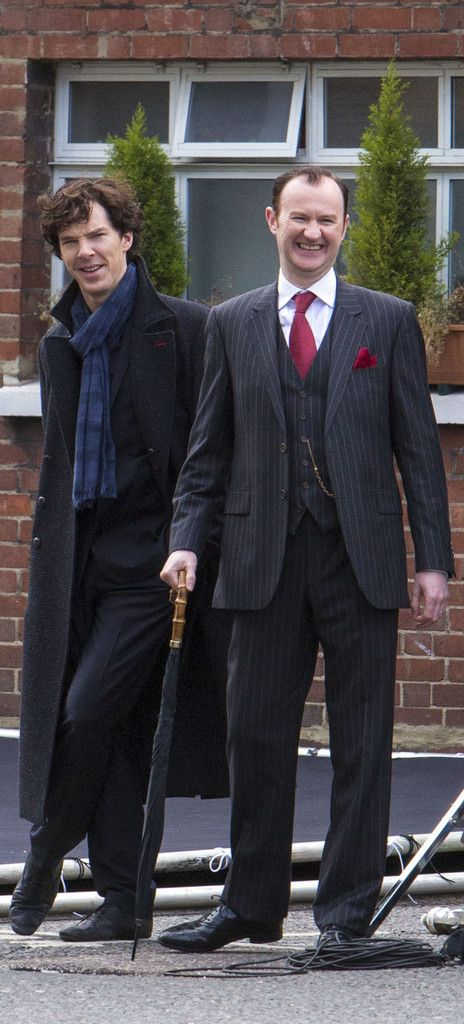 Benedict Cumberbatch and Mark Gatiss on the set of #Sherlock. I Love Benadict's face! It's fantastic! =]