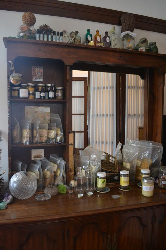 Post Partum Nutrition and Herbs | a wonderful article on herbs for yoni steams, sitz baths, nutrition, breastfeeding and the mind/spirit.