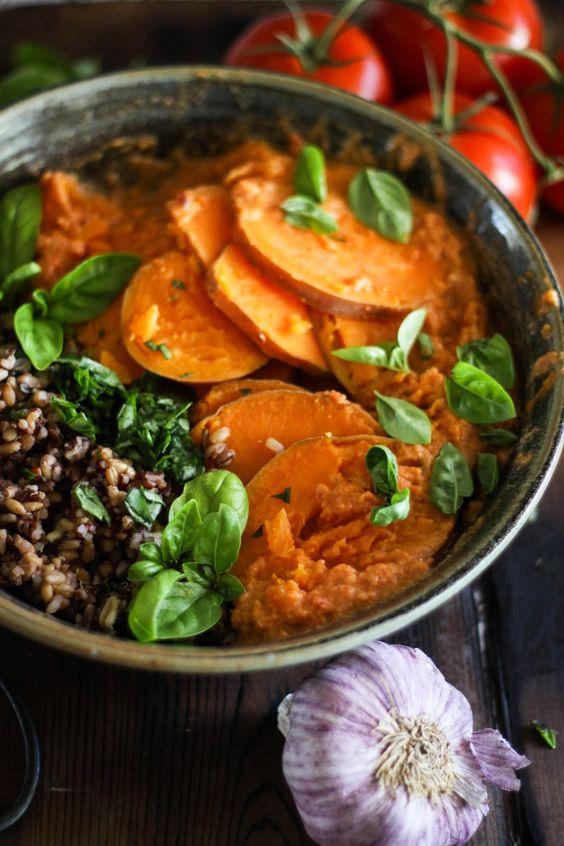This Rawsome Vegan Life: STEAMED SWEET POTATOES with WILD RICE, BASIL + TOMATO CHILI SAUCE