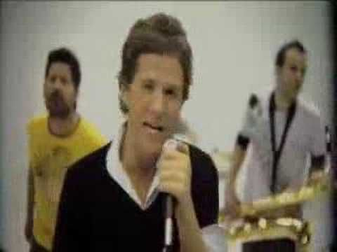 Me siento vieja cuando escucho esta canción, pero me encanta! :3 Me gusta - San alejo [Video oficial] - YouTube