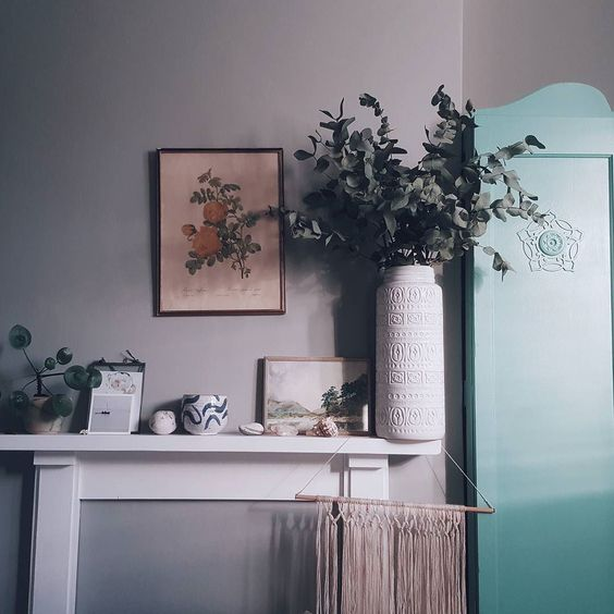 The light this morning!  Over on the blog I have announced the winner of the #nithandmoa competition with @magicorganicapothecary - hop over to see if it was you!  Yes crazy oversized eucalyptus & vase. Left over from styling a shoot last week! by littlegreenshed