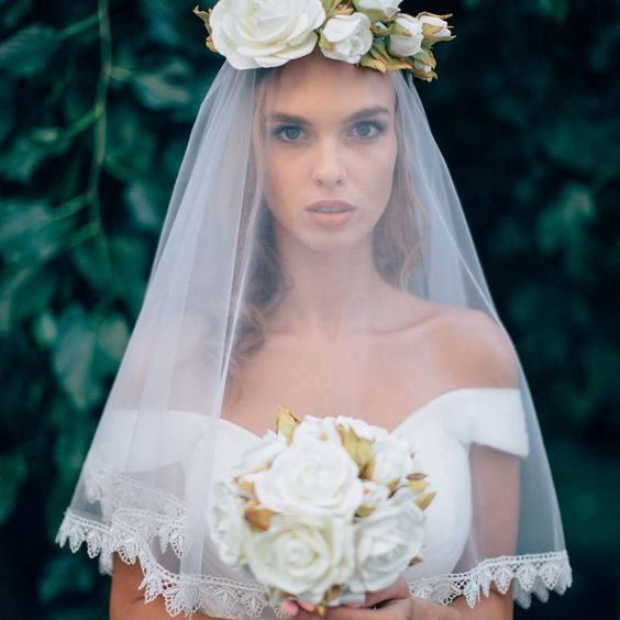 Amazing #veil and #bunch from #flowersparadiseshop😍😍 Good morning✌✌ #bunch  #handmade #flowers #queen#bride #model #modeling #love #photo #shoot #fiancé #fiance #etsy #etsylove #etsyfinds #etsyseller #etsystore #etsyshop #store #shop #dog #flowersparadise #flowersparadiseshop #handmade #follow #flowers #family #thebestday #summer