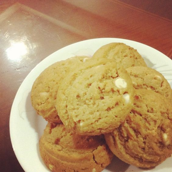 How to Make White Chocolate Peanut Butter Cookies