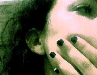 Nem sei. Essa preocupação com minha própria alma fica dedilhando na mesinha. Faz a madeira roncar sofrimento. Cabeça baixa, ao teclado, só enxergo ali a dor, por entre meus punk-cachos, revoltosos como eu. Minha boca não quer ser mais tão vermelha. http://flutu-ando.blogspot.com.br/2011/02/capitulo-6-sem-poder-evitar.html