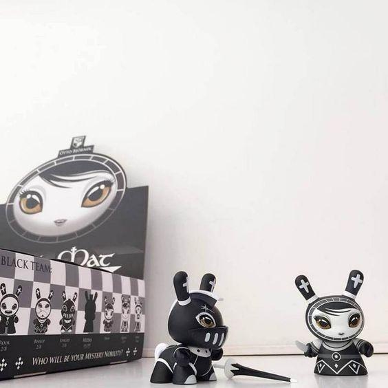 """Otto Bjornik & Kidrobot: Shah Mat 3"""" Dunny Chess (UPD) / Виниловые игрушки / Всё о дизайнерских виниловых игрушках - Vinyltoys.kz"""