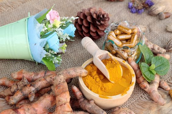 A group of scientists has come to the conclusion that mixing turmeric with one common thing could literally save our lives. Let's take a look at what it is.