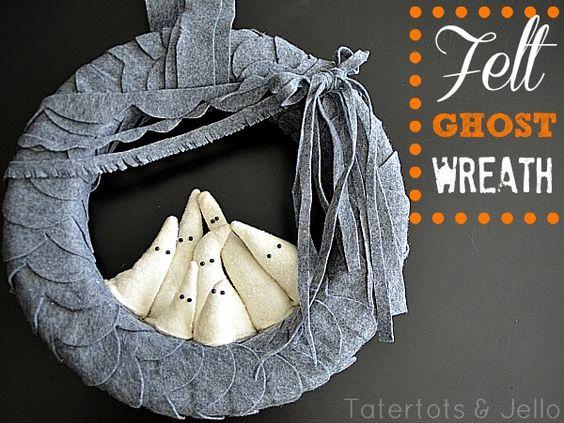 Halloween Ghost Wreath.