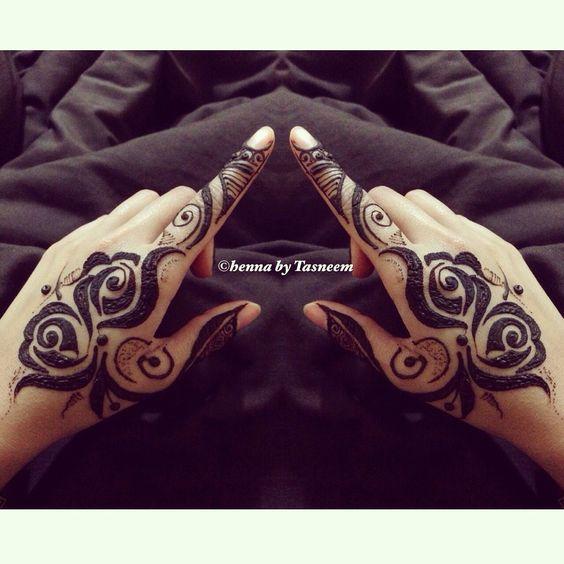Rose Mehndi Patterns : Rose henna and roses on pinterest