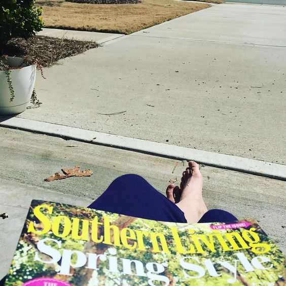 This truly is @southernlivingmag at its best! #lovethesunshine #mytoesarefree #healthyliving #outdoors #vitamind #southernliving