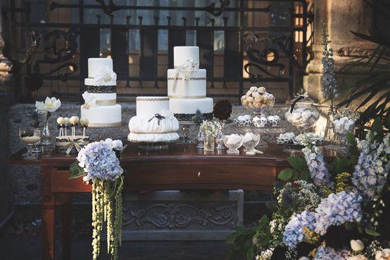 20s inspired dessert table