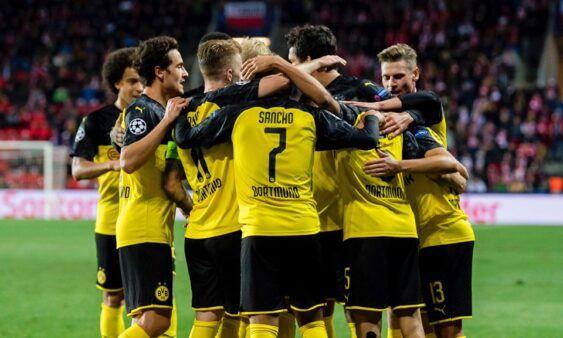 Apos Derrota Para O Barcelona Pela Champions League Borussia