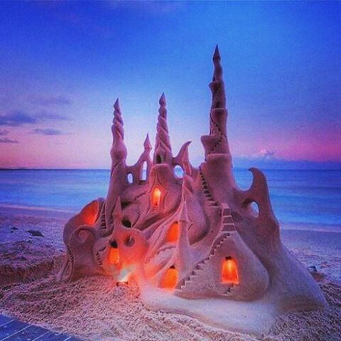 The most gorgeous sand castle.. #sandcastle #mermaidlife #beach