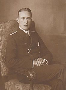 Prince Sigismund of Prussia, 2nd son of Irene and Heinrich.  Sigismund did not have hemophilia, like his older and younger brothers.  In 1927 Sigismund relocated his family to a banana and coffee plantation he owned in Costa Rica.  He died there in 1978.