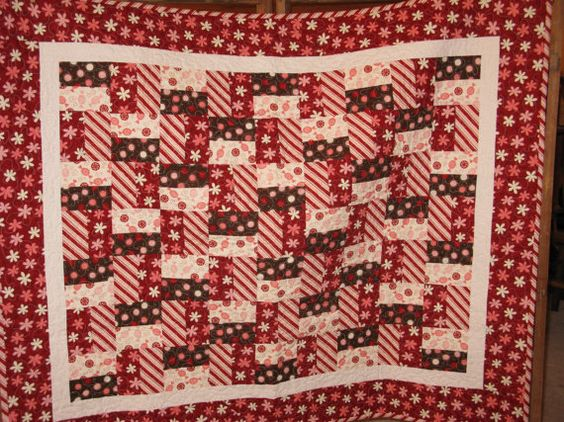 Christmas Quilt by cottonwoodquilts on Etsy, $100.00