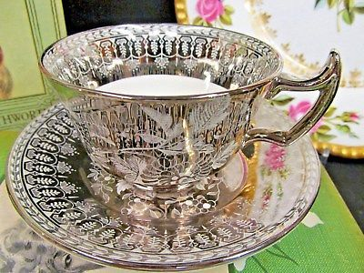 WEDGWOOD TEA CUP AND SAUCER stunning PLATINUM DESIGN FLORAL TEACUP FANCY HANDLE