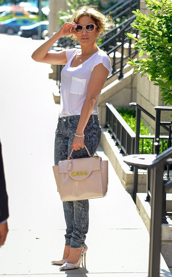 Jenny From The Block From Celebrity Street Style Jennifer Lopez Celebrity Street Styles And