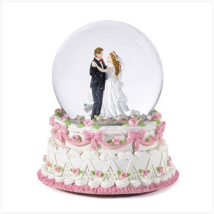 wedding cakes for young couples snow globes globes and snow on 24398
