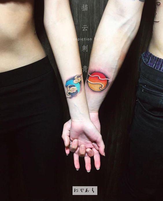 彼此的黑夜白晝 描雲刺青 高雄市中山一路14號1樓 中央公園站3號出口 07-2518189 歡迎預約諮詢 請發訊息或 Line: @nbg6479d Wechat: liangtsai.tw 恕不線上報價 謝謝 #tattoo #couples #coupletattoo #sun#moon#cloud#lover#lovertattoos