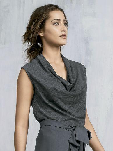 Blusa Feminina Em Malha Tricô Com Gola Boba