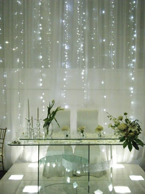 mesa de honor novios con luces