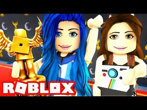 Roblox Family I Won A Bloxy Award Roblox Roleplay Youtube