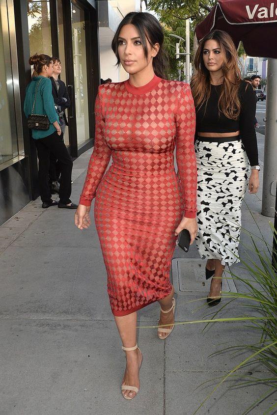 foto de 3 Real Ways to Pull Off a See Through Dress the Chrissy Teigen Way Kim kardashian Wardrobes