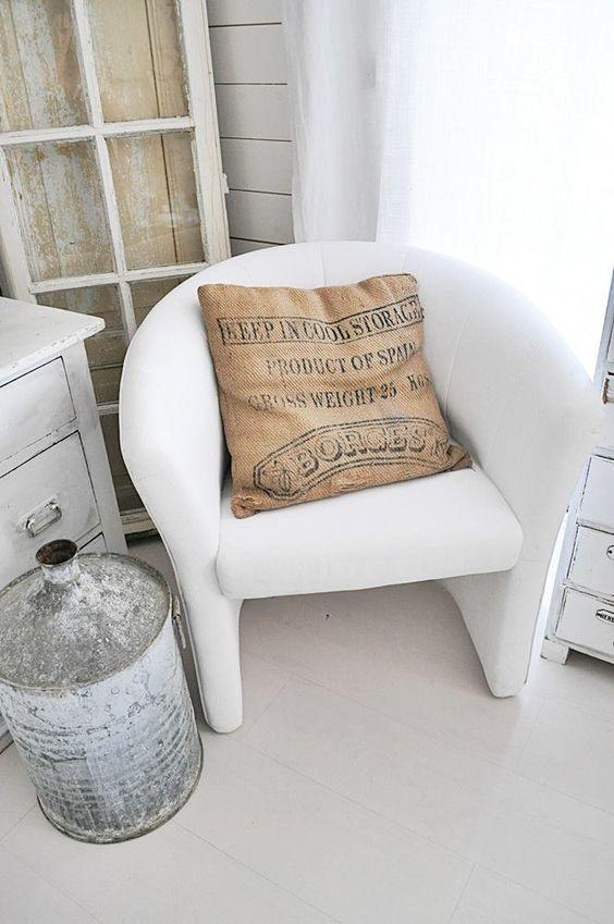 stoff streichen z b alte sessel acryllack od wandfarbe beides mit l sonnenblumenl od was. Black Bedroom Furniture Sets. Home Design Ideas