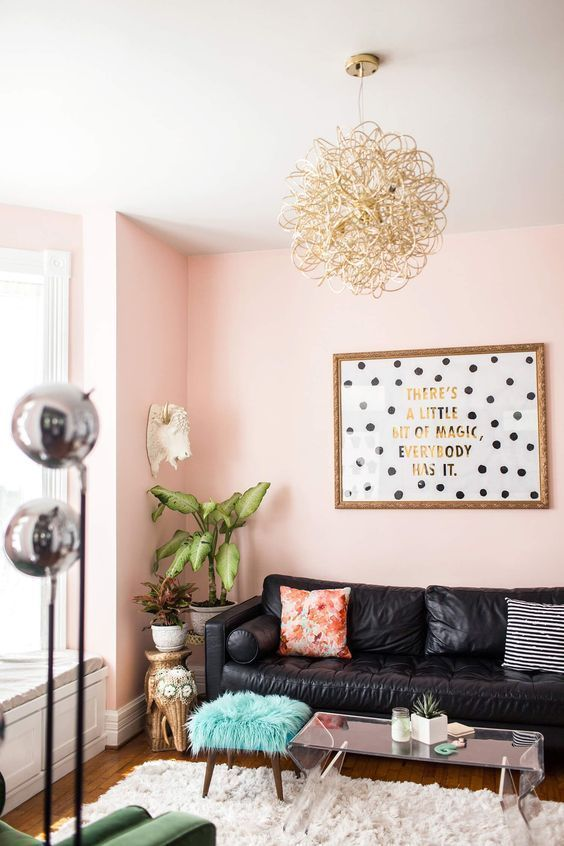 A Pink Wall In The Living Room 15 Photos Of How To Decorate Living Rooms In Pink Pink Living Room Boho Living Room Pink Walls #pink #walls #in #living #room