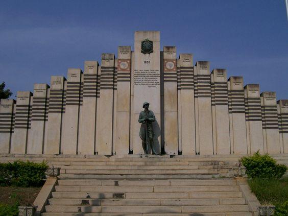 Monumento aos Heróis de 32