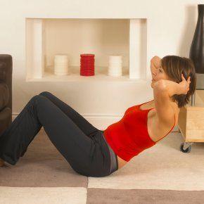 Sport après l\'accouchement : 3 exercices de gym pour vous remuscler après bébé