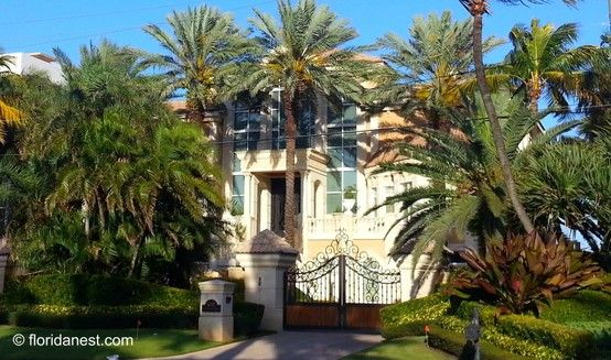One of the many beautiful mansions along the scenic Florida State
