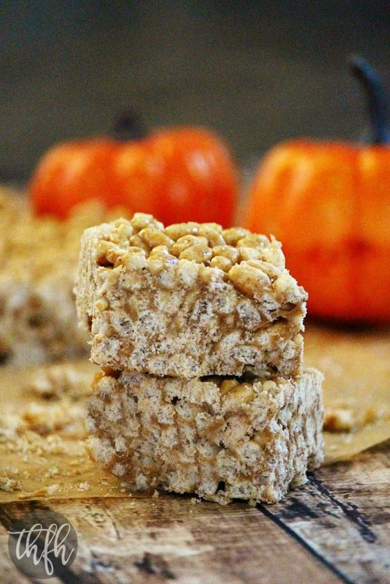 Vegan Pumpkin Spice Rice Crispy Treats...no marshmallows, no butter, no corn syrup and they're vegan, gluten-free, dairy-free, no cook and have no refined sugar