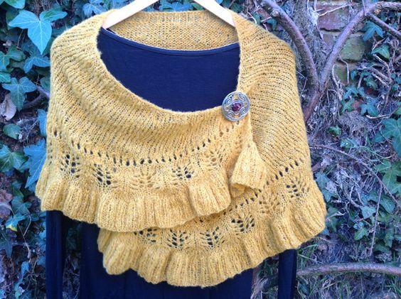 """Châle abyssal """"Frou frou"""" tricoté main : Echarpe, foulard, cravate par la-maille-aux-tresors"""